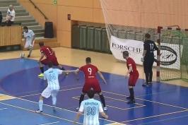 Futsalové lize dál vévodí Svarog, jehož stíhá Chrudim. Plzeň rozstřílela Liberec