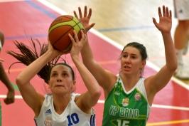 Hradecké basketbalistky přeskočily Nymburk v tabulce, Královo Pole zvládlo derby