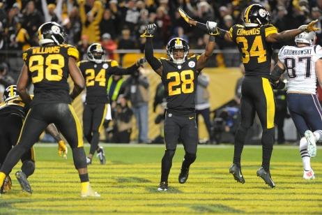 Pittsburgh ukončil sérii porážek s Patriots, do play-off míří Chargers a Chicago