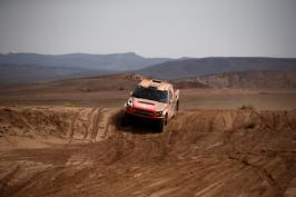 Dakar pojede 26 Čechů. Organizátoři zveřejnili program i startovní listiny