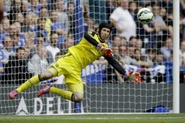 Vrátí se Čech na Stamford Bridge? Chelsea vábí klubovou ikonu zpět