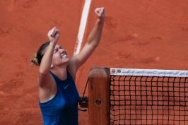 Halepová to konečně dokázala a na čtvrtý pokus zvítězila v grandslamovém finále