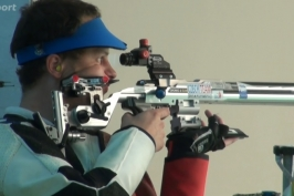 Neslyšící střelec Bartošek skončil na deaflympiádě těsně pod stupni vítězů