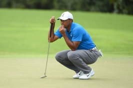 Skončí pětileté čekání na titul? Woods je blízko triumfu na turnaji v Atlantě
