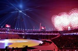 """Olympijský oheň uhasl, Hry """"nových obzorů"""" budou v paměti hořet dál"""
