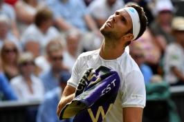 Ve Wimbledonu dohrál i Veselý a v osmifinále napodobil Plíškovou