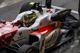 Syn Schumachera se zase o něco více přiblížil F1. Nově bude jezdit v seriálu formule 2