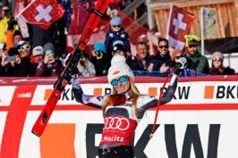 Shiffrinová je královnou Svatého Mořice, vyhrála i paralelní slalom