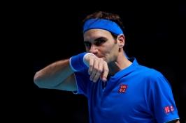 Federer nečekaně skončil na raketě Zvereva, Němec ve finále vyzve Djokoviče