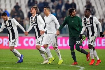 Ronaldo nedal penaltu, Juventus i tak slavil další výhru. Schick byl u branky AS Řím