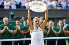 Serena Williamsová další titul ve Wimbledonu nezískala. Ve finále ji zdolala Kerberová