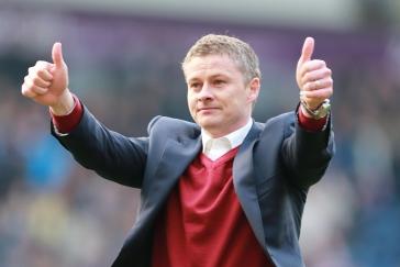 Návrat legendy na Old Trafford. Mourinha střídá u United Solskjaer
