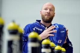 Porážku od Švédů nesl kapitán Novotný těžce. Nevyhrál lepší tým, říká