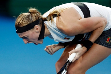 Stroj jménem Kvitová v Austrálii opět úřadoval. Češka zdolala i Bartyovou a je v semifinále