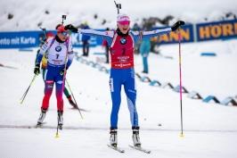 Mäkäräinenová v závěru stíhačky utrhla soupeřky. Vítková se zlepšila