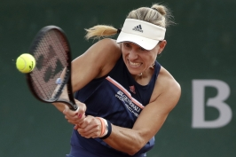 Kerberová je ve čtvrtfinále, Wozniacká dohrála. Serena Williamsová končí kvůli zranění