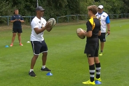 Mladé ragbisty učí jihoafrické hvězdy. Nabádají je, aby si uměli zakřičet