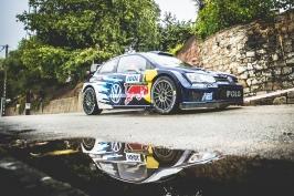 Po druhé etapě vede Katalánskou rallye Latvala, Kopecký je třináctý