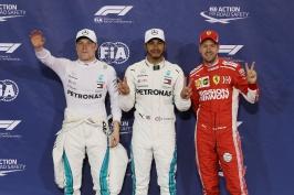 Na závěr další pole position. Suverénní Hamilton ovládl kvalifikaci i v Abú Zabí