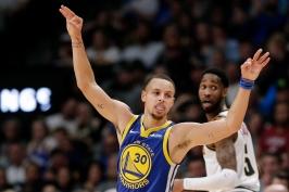 Warriors nastříleli 51 bodů za čtvrtinu a v souboji o čelo konference smetli Denver