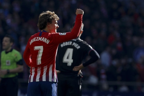 Griezmann zajistil Atléticu tři body, Messi vstřelil čtyřstý gól v La Lize, Real Madrid měl namále