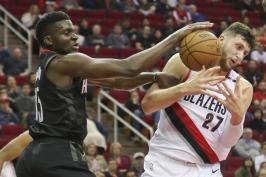 Trápící se Houston ukončil v NBA proti Portlandu sérii porážek