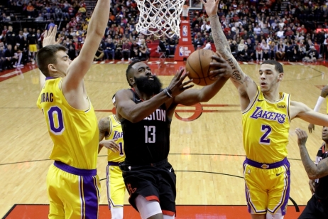 Houston přetlačil Lakers v prodloužení, Harden potvrdil pozici nejlepšího střelce NBA 48 body